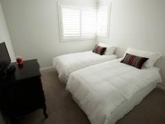 Dolans-Bedroom3